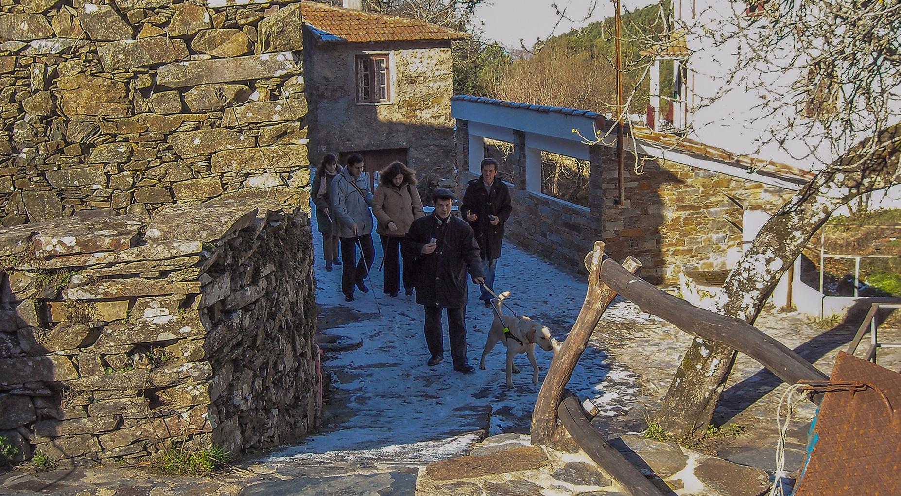 Imagem Passeio na Aldeia do Xisto, Lousã com um grupo da ACAPO